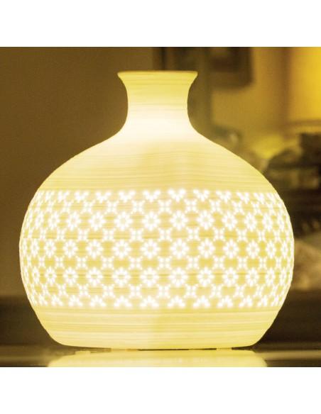 Lampada Da Tavolo Led In Ceramica Bianca Traforata